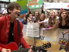 Tweens sing along, go slightly psycho for Austin Mahone