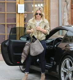 Hilary Duff wearing Ray-Ban RB3025 L0205 Aviator Large Metal sunglasses in Arista Celine Fall 2013 Grey Gourmette Bag Belle by Sigerson Morrison Kyeran Wedged Ankle Boots