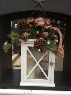 Decorate outside of lanterns. Candles inside. Wish I could find this for my Mashburn Girls Gift!!!