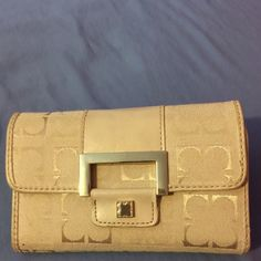 Liz Claiborne Wallet! Liz Claiborne wallet! Excellent condition, barely used. Liz Claiborne Bags Wallets