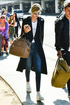 Gigi Hadid model style: airport and travel outfit ideas