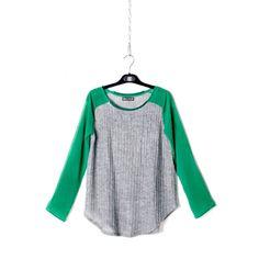 Blusa gris con mangas verdes - Ropa - Tiendacuple.com