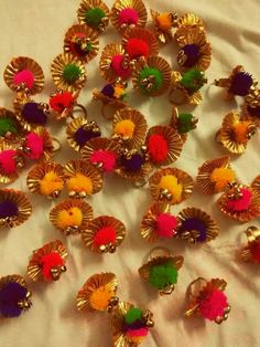 Beautyful rings😍😍 Festive collection😊 for more details dm or whatsapp on 😊👜👡👒👗💍💄👛👝 Use hashtag ✔️ ✔️ ✔️ ✔️ Silk Thread Bangles Design, Silk Thread Necklace, Thread Jewellery, Fabric Jewelry, Wedding Gift Wrapping, Diy Wedding Favors, Wedding Gifts, Gota Patti Jewellery, Rakhi Design