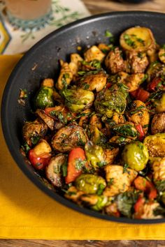 Kung Pao Chicken, Sprouts, Good Food, Food And Drink, Vegetables, Ethnic Recipes, Kitchen, Foods, Street