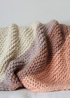 Colorful Corner Blanket Purl Soho Alternate Yarn: Super Tuff Puff At Knit Picks Easy Knitting, Knitting Stitches, Knitting Yarn, Knitting Patterns, Crochet Patterns, Knitting Blanket Patterns, Stitch Patterns, Knitted Afghans, Knitted Baby Blankets