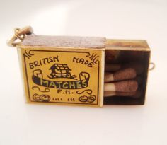 9ct Gold and Enamel Box of Matches Charm Opens - FHM London FM 1961