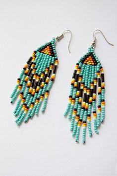 mit viel Liebe von Hand geperlte Ohrringe die vom Schmuck der Navajo Indianer inpsiriert wurden.