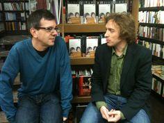El argentino Eduardo Berti estuvo en Los Portadores De Sueños presentando 'El país imaginado' editado por Impedimenta. Con él estuvo el escritor Daniel Gascón y el editor Enrique Redel.