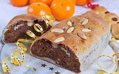 Kletzenbrot, ein traditionell steirisches Gebäck zur Adventszeit, wird mit vielen gedörrten Früchten gefüllt. Süß und saftig braucht es sonst keinen Zucker und schmeckt am besten mit frischer Butter.