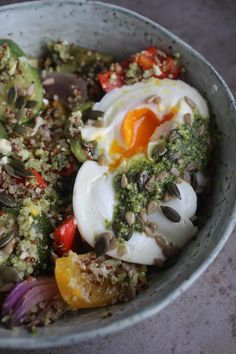 Roast Vegetables, Pesto Natural Born Feeder, Lunch Recipes, Vegan Recipes, Come Dine With Me, Roasted Vegetables, Pesto, Quinoa, Clean Eating, Dining