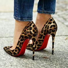 Leopard pumps - Visit us -. High Heels Boots, Sexy High Heels, Shoe Boots, Classy Heels, Stilettos, Pumps Heels, Stiletto Heels, Dream Shoes, Crazy Shoes