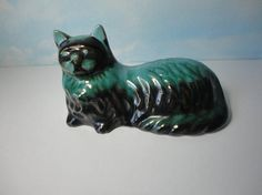 Vintage CAT Figurine.  Blue Mountain Pottery. Canada