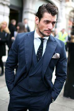 Tumbrl dedicated to British model David Gandy. Famous Male Models, Top Male Models, David Gandy, James Mcavoy, Street Chic, Street Style, Androgynous Models, Mr Style, Gentleman Style