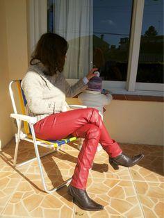 http://www.blogfemina.com/2014/06/de-novo-minha-skinny-vermelha-de-couro.html
