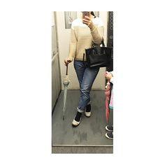 2017/10/17 ・ 今日も36歳のリアルを生きている ・ tops:#gu 2017秋 #ボーダークロップドセーター  pants:#無印良品 2016春 #ボーイフレンドデニム  shoes:#regal  bag:???? ・ #ootd #guコーデ #コーデ #コーデ日記 #ママコーデ  #154cm #女の子ママ #selfie #me #portrait #セルフィー #ketamaku4  #momlife #プチプラコーデ #instagood #instadaily #japan #instamood #instalike #instamoment  #life #japanese #無印コーデ #無印 # muji   9likes!