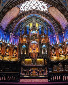 Jour du seigneur 👏🏻 #cinqcentquatorze #basilique #basiliquenotredame #church #mtlmoments #375mtl #citylights
