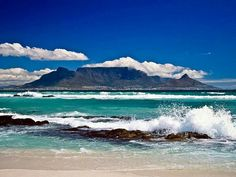Table Mountain in Cape Town, South Africa. I did not take this picture but I did get the chance to visit Table Mountain in September 2011 and it was fabulous. I would recommend a visit to Cape Town to anyone! Places To Travel, Places To See, Travel Things, Travel Destinations, Table Mountain Cape Town, Blue Mountain, Les Continents, Cape Town South Africa, Garden Route