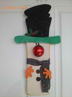Cute door hanging wood snowman with shiny ball nose