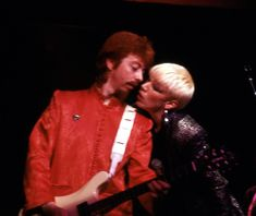 Annie Lennox, Writer, Leather Jacket, Singer, Couple Photos, Celebrities, Savage, Bands, Classic