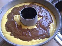 Chocolate and banana flavor cake Easy Sweets, Sweets Recipes, Cake Recipes, Cooking Recipes, Cooking Time, Greek Sweets, Greek Desserts, Fun Desserts, Greek Recipes