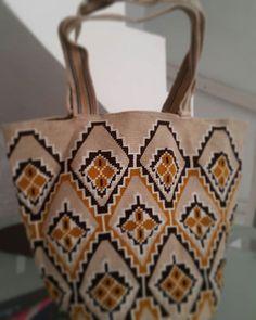 #bags #bohochic #carteras #bolsos #crochet #totes #totebags #handmadeincolombia