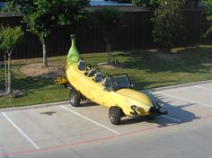 New Post 2 Strange Cars, Weird Cars, Cool Cars, The Meta Picture, Pictures Of The Week, Car Wheels, Car Humor, Art Cars, The Outsiders