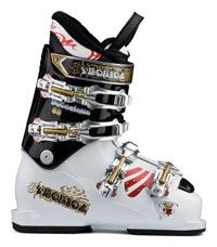 Snowboard and skiing gear buying guide. Ski Boots.