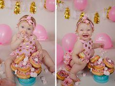 Move over cake smash—donut smashes are the new lazy mom alternative!