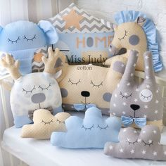 Diy Crafts For Gifts, Baby Crafts, Handmade Crafts, Fabric Animals, Colourful Cushions, Baby Pillows, Sewing Toys, Baby Boy Nurseries, Crib Bedding
