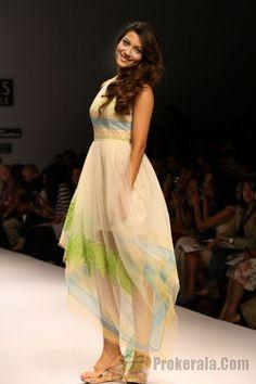 Z Fashion Trend: GAUHAR KHAN IN RAHUL MISHRA DESIGNER DRESS