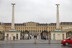 Schonbrunn Palace Evening: Palace Tour, Dinner and Concert ...