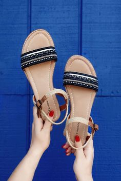 Treat your feet to a sparkly sandal! The Bali sandal will add some flair to your warm weather wardrobe.