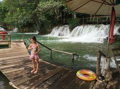 Cachoeiras, botes, boia cross!  Alimentando peixes