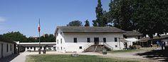 READ (Photos/Description) - John A. Sutter and the California Gold Rush - Sutter Fort in Sacramento, California