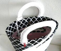 Quatrefoil Pattern White Leather Swan Bag Tote Purse by VaVaRa: