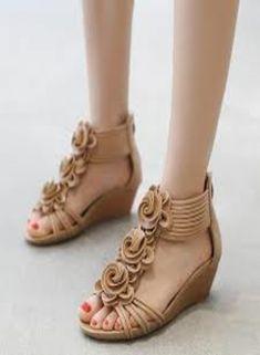 b13afc6b1 Ladies Brown Flower Style Sandals 2018-19. Sandals 2018Best Looking  ShoesLadies BootsHuaracheNew ...