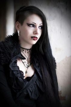 This is the YouTuber ToxicTears. She is my gothic inspiration @kayalili
