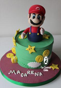 Mario Bros, Guinnes cake con crema de chocolate blanco. Mario Bros fondant 3D topper fondant
