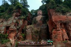 Leshan Giant Buddha (Dafo) statue in China was built during the tang dynasty. Know about its history, location, map, images and other facts about the sacred sculpture here.