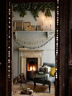 Homemade garlands | Cozy, hygge living room decor | Holiday fireplace