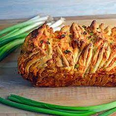 Buffalo Chicken Pull Apart Bread @keyingredient #cheese #chicken #bread