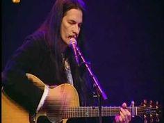 """Willy de Ville - Live mit """"Carmelita"""" (Willy begleitet sich selbst auf der Gitarre, verstärkt durch seine Musikerkollegen am Klavier und Kontrabass)"""