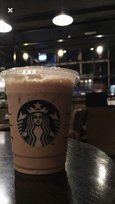 Coffee Love, Hot Coffee, Iced Coffee, Coffee Drinks, Fake Instagram, Story Instagram, Starbucks Drinks, Starbucks Coffee, Snap Food
