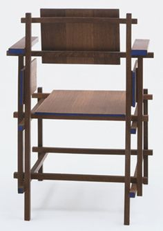 Gerrit Rietveld. Hoge Stoel Highback Chair. 1919  Love the little speck of color on each end.