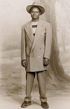 The zoot suit was very popular amongst low income minority men of the Vintage Men, Vintage Black, Vintage Fashion, Nyc Fashion, Fashion History, Stylish Mens Fashion, Sharp Dressed Man, Black People, Black History