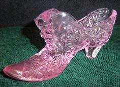 VINTAGE FENTON PINK CAT GLASS SHOE BIN
