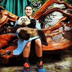 Monday got you down? We dare you not to feel warm and fuzzy after seeing Klay Thompson holding a panda bear.