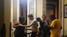 Fiesta animada en casa de Raquel con los turistas. Selfie, Mirror, Home, Havana, Party, Mirrors, Selfies