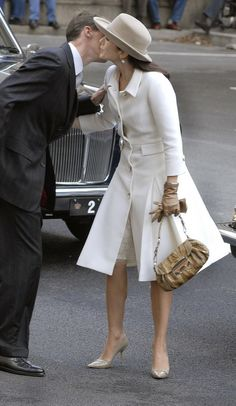 .Royal Elegance in Winter White