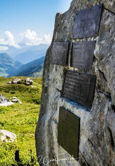 Wanderung vom Klausenpass zum Griesslisee beim Claridengletscher › 2CoinsTravel Mountains, Nature, Travel, Memorial Stones, Waterfall, Traveling, Naturaleza, Voyage, Trips